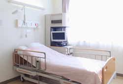 へき地医療:病床不足